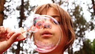 blow-bubbles-668950__180-lespetitesflaneuses-com